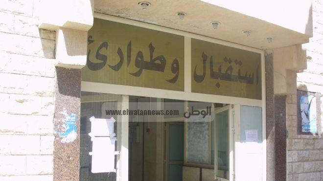 متظاهرون يغلقون مستشفى الحامول المركزي بسبب مديرها الإخواني