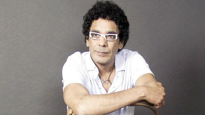 محمد منير في حالة حداد