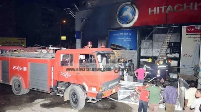 انتداب المعمل الجنائى لمعاينة حريق شركة «جاب الله».. والخسائر 10 مليون جنيه