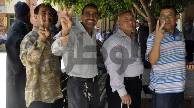 توافد الناخبين منذ الصباح الباكر في أسيوط