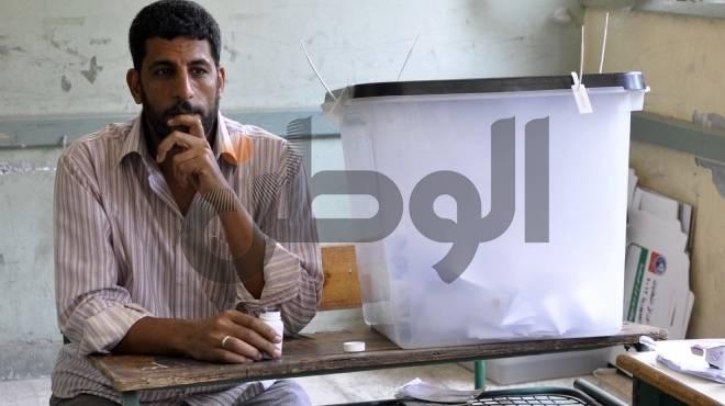 الحر يضعف الإقبال بالمنيا.. وحملة شفيق: قاضي