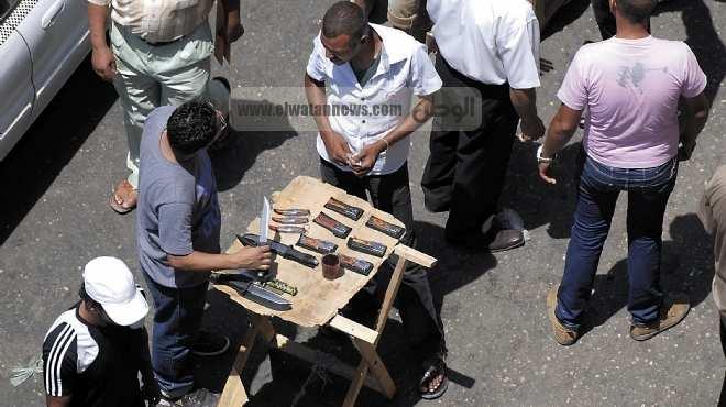 «الوطن» ترصد: سوق الخرطوش والسلاح الأبيض فى وسط القاهرة