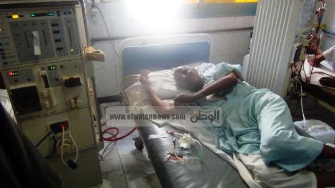 الموت على أبواب وحدة الغسيل الكلوى فى مستشفى كوم أمبو