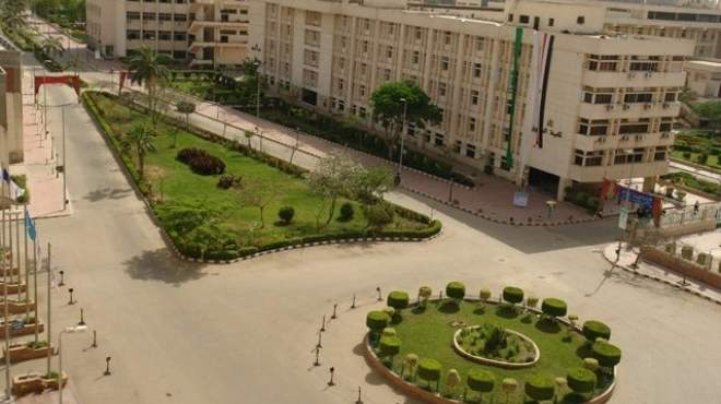 إقالة عميد كلية الطب بجامعة الزقازيق