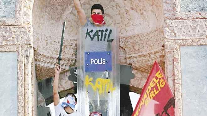 الانتفاضة التركية.. جمهورية أتاتورك تواجه «الدولة العثمانية»
