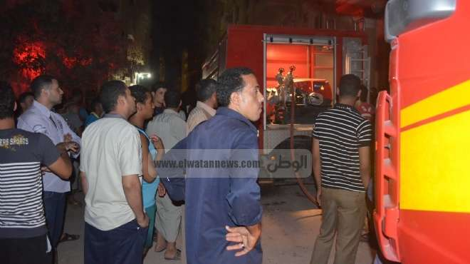 عاجل| سيارات الإطفاء تتعرض لاعتداء أثناء إخمادها لحريق عمارة