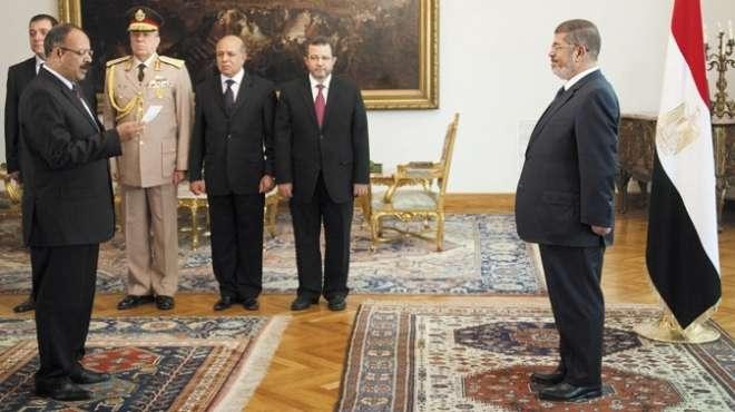 الإخوان يواصلون السيطرة على مفاصل الدولة