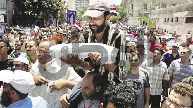 «جمعة استعراض القوة»: الإخوان يهددون بـ«التحرير».. و«العسكرى» يتوعد بـ«الحزم»