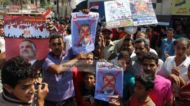 مظاهرات في ميادين السويس لتفويض الجيش للتصدي للإرهاب.. ومحاكمة شعبية لقيادات