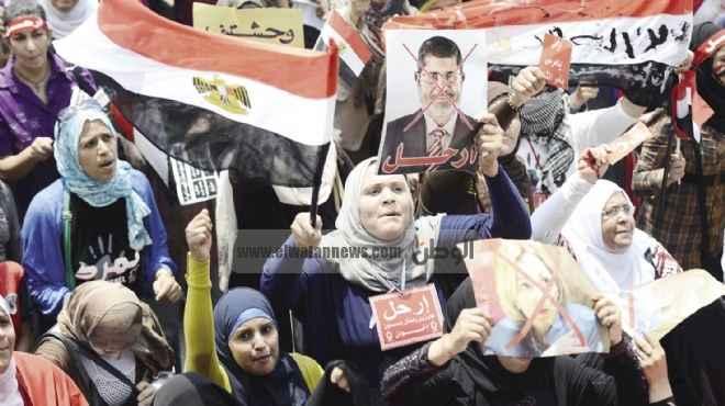 «التحرير» يذبح خرفان «مرسى وبديع والشاطر».. وإغلاق «الشورى والمجمع» بالأسلاك الشائكة