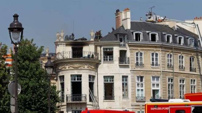 السيطرة على الحريق الذي شب في قصر تاريخي بباريس