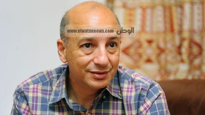 د. خالد فهمى: الجيش لن يسلم السلطة باختياره.. ويعمل منذ التنحى على تحجيم الثورة