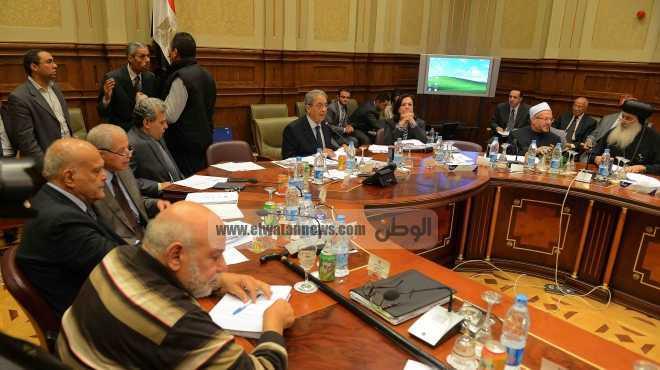 لجنة الخمسين توافق على المادة الرابعة بالإجماع
