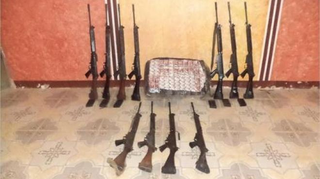 ضبط كميات من الأسلحة والذخيرة والألعاب النارية قادمة من الصين وتركيا وأمريكا