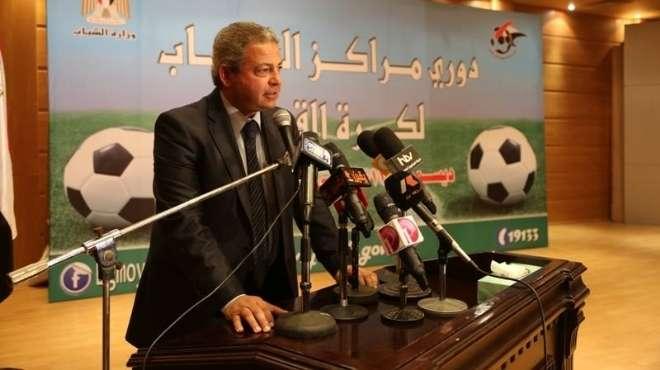 عبد العزيز: إنشاء ملعب قانوني لكرة القدم وأخر للهوكي بمجمع القرية الأوليمبية ببورسعيد