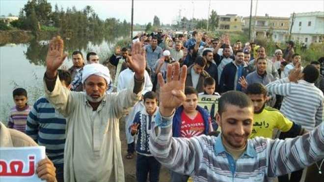 وقفة احتجاجية لطلاب الشريعة والقانون في طنطا لرفض الدستور