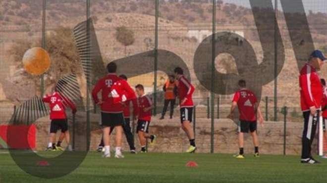 بالصور| بايرن يتدرب على الملعب الفرعى لأغادير.. وجوارديولا ينفرد بـ