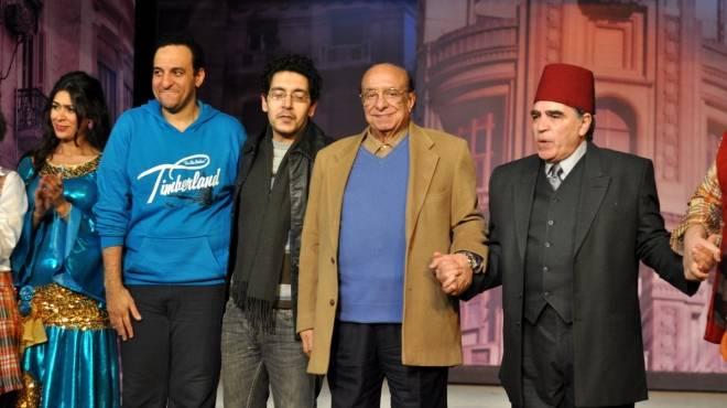 جلال الشرقاوى يحضر عرض مسرحية