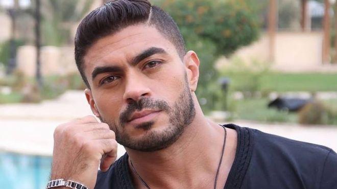خالد سليم يبكي بسبب وردة الجزائرية
