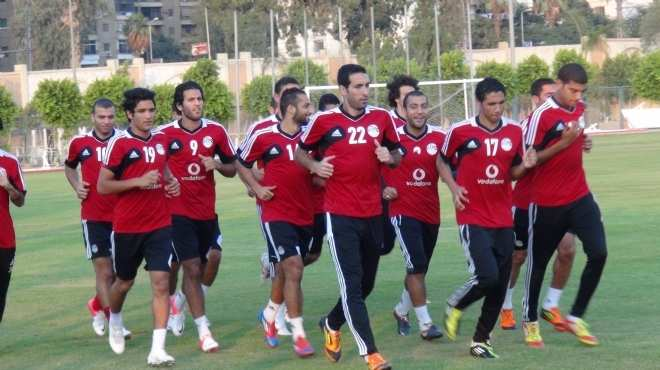 العلم المصرى يرفرف فوق القرية الأولمبية.. ودعم حكومى قبل مواجهة البرازيل