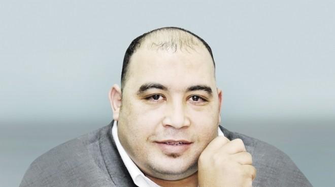 أحمد الخطيب ينتقد غياب الحكومة عن عزاء الراحل عبد الله كمال