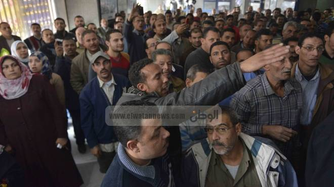 اعتصام المؤقتين بمجلس مدينة الشلاتين للمطالبة بالتثبيت