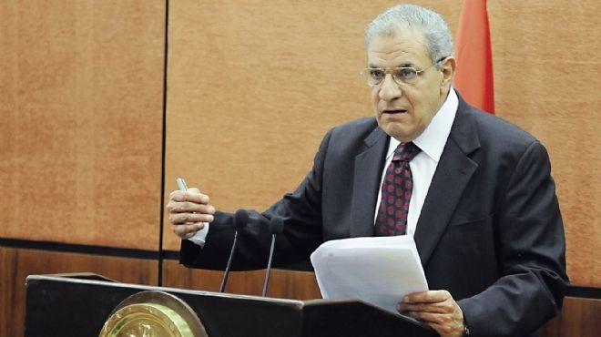 رئيس الوزراء : الامن بدأ يتحقق في الشارع المصري ويجب الحفاظ على المال العام للدولة