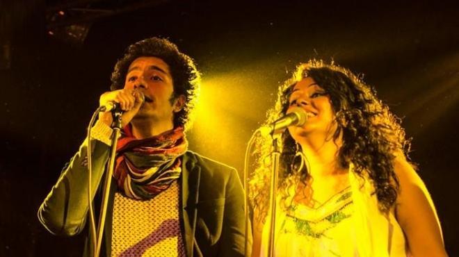 بالصور|  دينا الوديدي تحيي مع فرقة