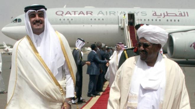 المعارضة الجزائرية تتوعد «أمير قطر» بالمظاهرات