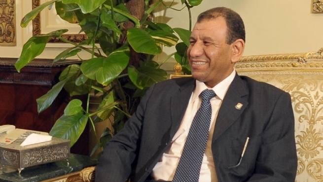 وزير التعليم يكرم عددا من الطلاب المخترعين بمكتبة بديوان عام الوزارة