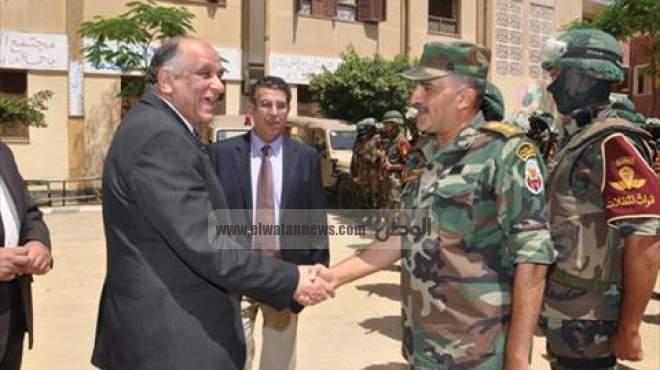 بالصور| محافظ بني سويف يستقبل قائد قوات تأمين الانتخابات الرئاسية بالمحافظة