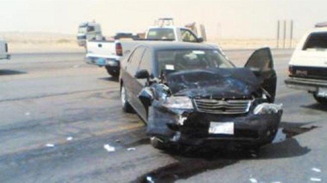 إصابة 4 مواطنين بينهم طفل في حادث سير على الطريق الدولى بشمال سيناء