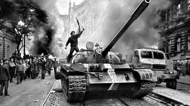 Image result for غزو الاتحاد السوفيتي لتشيكوسلوفاكيا