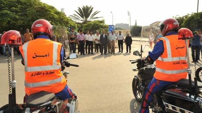 نزول أُولى دوريات تأمين الطرق والكباري لتحقيق السيولة المرورية