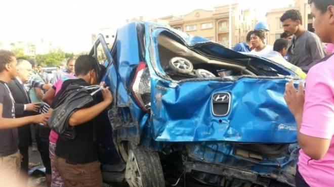 إصابة 3 اشخاص فى حادث إنقلاب سيارة على
