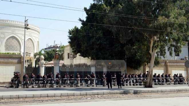 جيران القصر الرئاسي: انتظرنا المطافئ 4 ساعات وأطفأنا الحريق بأنفسنا