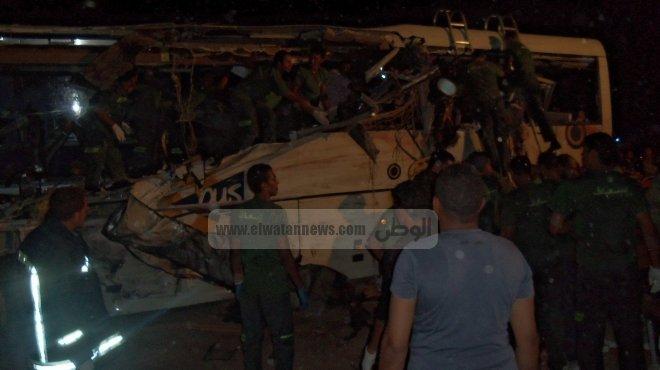 مصرع 11 وإصابة 14 آخرين في حادث مروع علي طريق