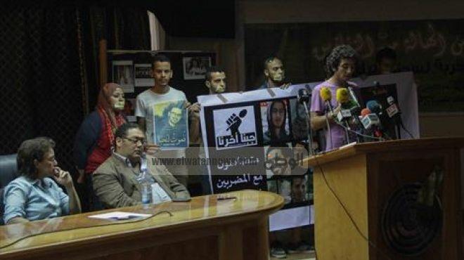 النشطاء الستة يواصلون الإضراب عن الطعام فى «القومى لحقوق الإنسان».. ورئيس المجلس: وجودهم غير قانونى