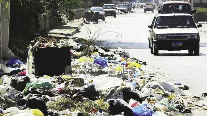 بالصور  «عروس البحر» تحت حصار «تلال القمامة»
