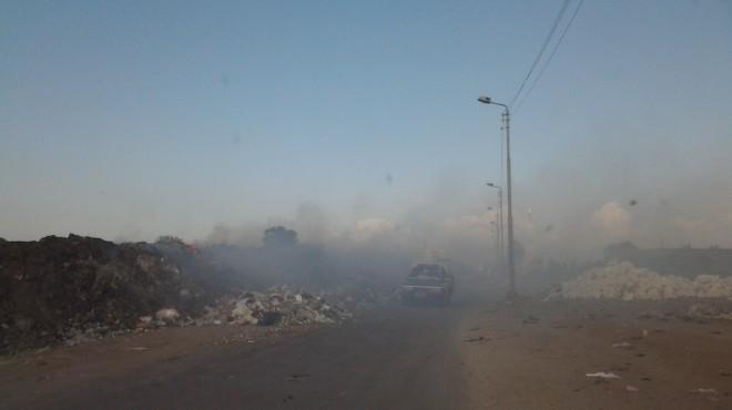 بالصور| تلال القمامة تحاصر مدينة الحامول والإشغالات تغلق شوارعها