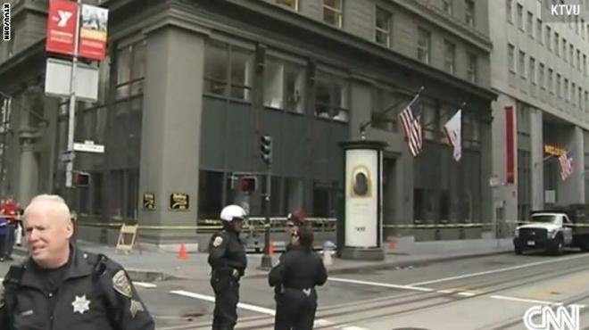 عامل ينجو من الموت بعد سقوطه من الطابق الـ11 في أمريكا