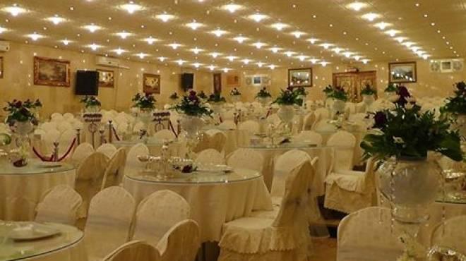 سعودية تقتحم قاعة أفراح الرجال لإفساد زفاف زوجها