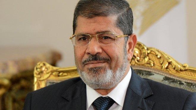 دعوى قضائية تطالب بسحب الأوسمة والنياشين التي حصل عليها مرسى