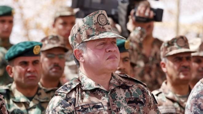 المواقع الإخبارية الأردنية تستخدم صور الملك عبدالله بالزي العسكري