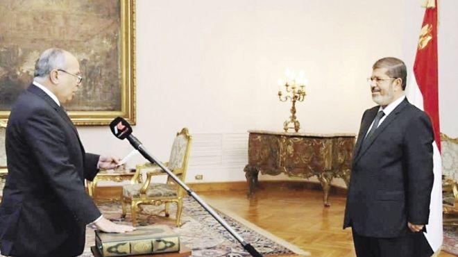 مدير المخابرات الجديد «يحلف على المصحف» بالإخلاص والولاء للرئيس