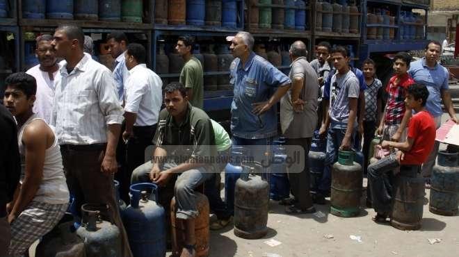 تظاهر العشرات من أهالي الأقصر احتجاجا على اختفاء إسطوانات البوتاجاز