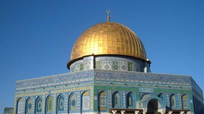 مؤسسة أهلية فلسطينية: صحفيون إسرائيليون يقتحمون المسجد الاقصى