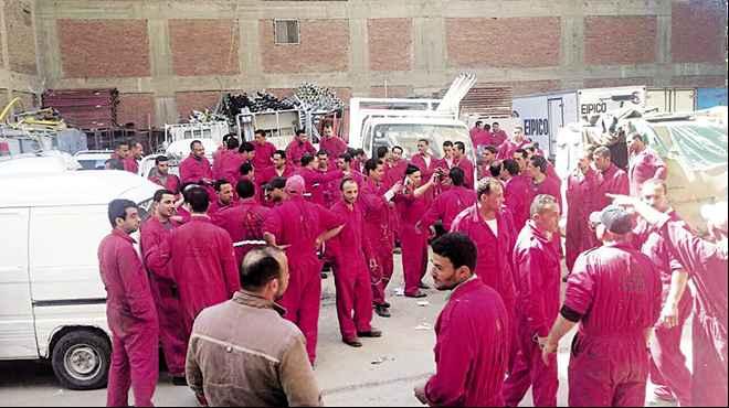 9 إضرابات عمالية في مصر هزت عرش الحكومة
