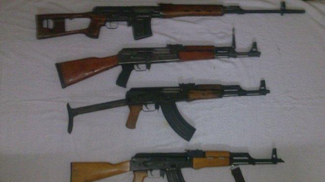 ضبط 25 قطعة سلاح مسروقة من مركز شرطة سمالوط أثناء اقتحامه