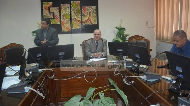 بالصور| نائب رئيس جامعة الفيوم يلتقي وفد وزارة التعليم العالي